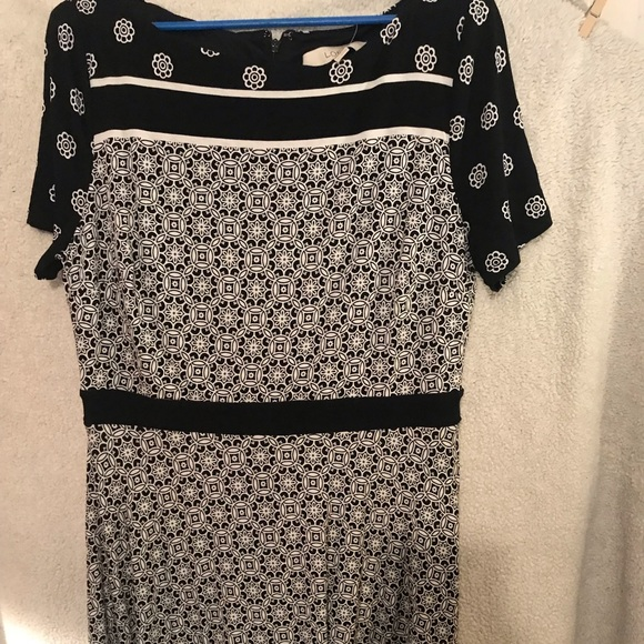 LOFT Dresses & Skirts - Black and white fit and flare medallion dress.
